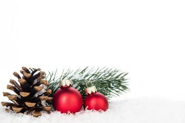 weihnachtliche deko mit tannenzapfen