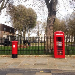 two the most traditional London symbols set in a line