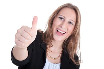 Junge sympathische Frau hält lachend Daumen hoch