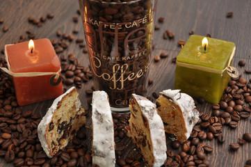 Kaffee und Christstollen