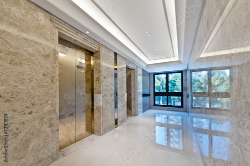 Lift lobby in beautiful marble - 73101884