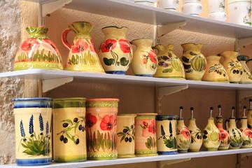 vasellame ceramiche oggetti artigianato provenza