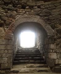 eski bir giriş kapısı
