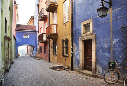 Narrow streets of Old Town, Warsaw - 73118067