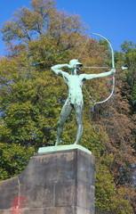 Bogenschütze am Elbufer-Dresden
