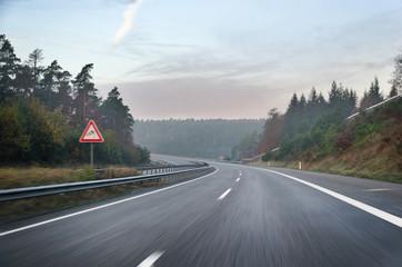 Leere Autobahn morgens Geschwindigkeit