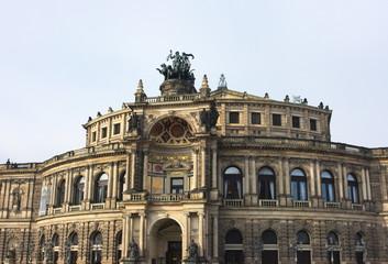 Semperoper-V-Dresden