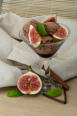Ice cream with fig