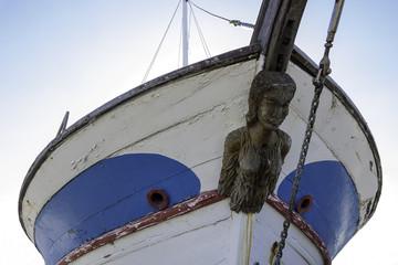 Fischerboot mit Gallionsfigur