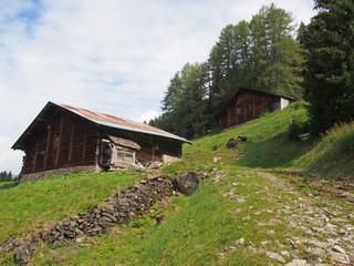 Vieux chalets de montagne