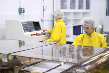 Pharmaceutical Manufacturing Technicians on the Production Line