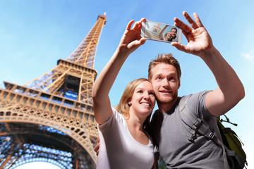 happy couple selfie in Paris