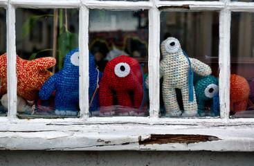 Pupazzi dalla finestra