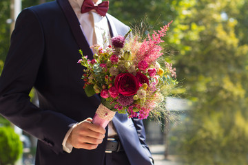bouquet wedding flowers groom