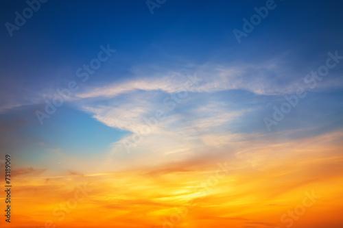 Leinwanddruck Bild Sky background on sunset