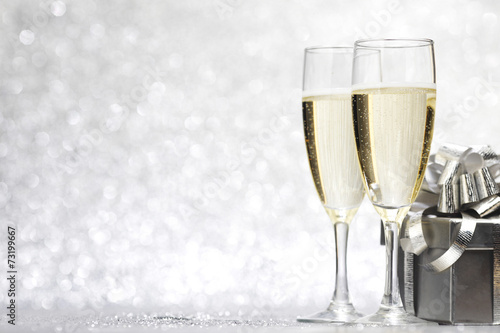 canvas print picture Champagne and present
