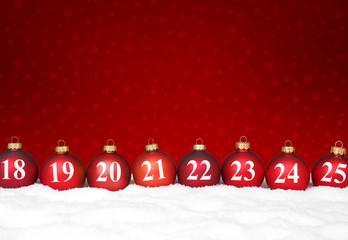 Weihnachtshg mit Kugeln / Kalender und Schnee