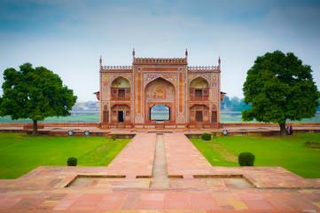 Baby Taj river gate