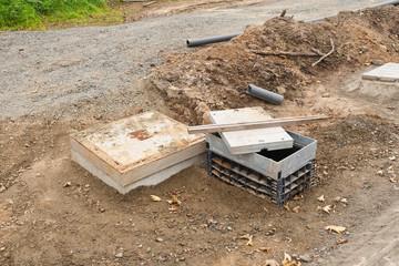 Strassenbau - Ein neuer Kabelschacht aus Kunststoff