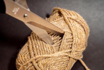ハサミと毛糸