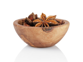 whole anise stars in bowl