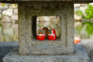 勝尾寺 灯籠の達磨