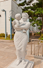 Woman with child sculpture near Seoul Museum of Art