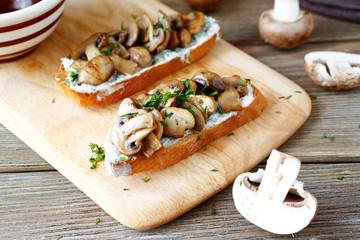 bruschetta with fried mushrooms