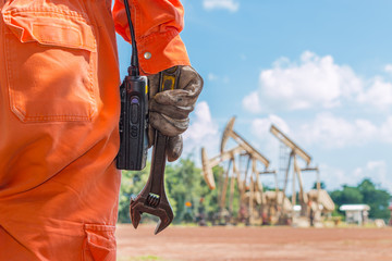 Wrench, Basic tool for fixing in crude oil site