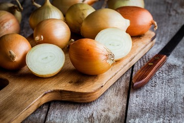 Fresh organic onions
