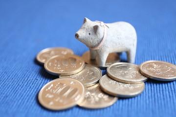 豚と500円玉