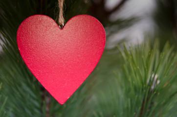Rotes Herz für liebe Grüße