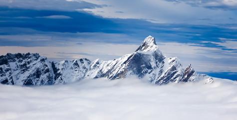 Dent d'Hérens to szczyt w Alpach Pennińskich, leżącego na t