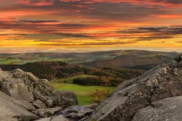 Sonnenuntergang in der Rhön Mittlegebirge © Matthias Buehner