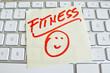 Notiz auf Computer Tastatur: Fitness