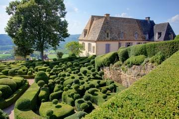 jardin topiaire en perigord