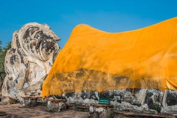 giant reclining buddha statue Wat Lokayasutharam Ayutthaya bangk
