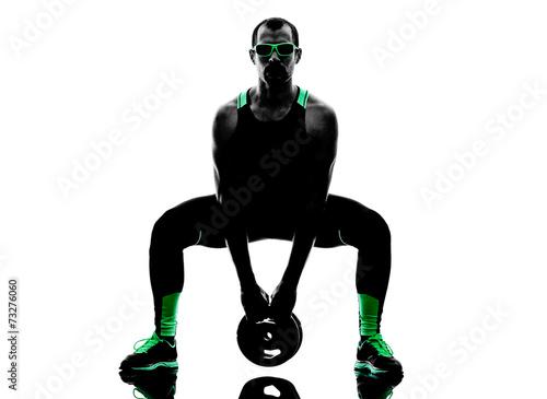 man-crossfit-waga-cwiczenia-cwiczenia-fitness-sylwetke