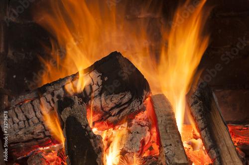 mata magnetyczna Przytulny płonący ogień w kominku