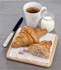 croissant with ham