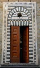 reinassance door