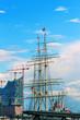 canvas print picture - Hamburger Hafen mit Elbphilharmonie