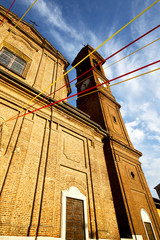 church  in  the samarate     closed brick tower sidewalk italy