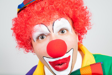 clown wundert sich