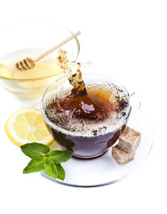 Honey tea with lemon and leaf mint