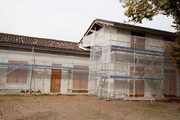 Ravalement d'une maison en pleine restauration