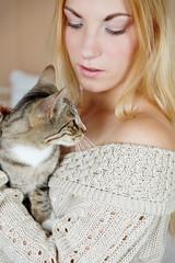 Kuscheln mit der Katze