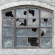 canvas print picture - Fenster mit zerbrochenen Scheiben