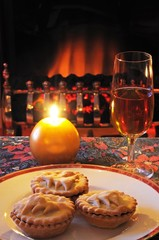 Mince pies with sherry © Arena Photo UK