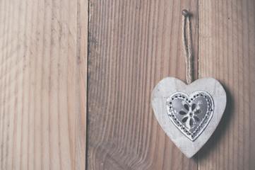 Coeur en bois et métal